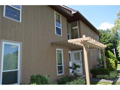 Peekskill Condo/Townhouse For Sale: 2 Brooke Hollow