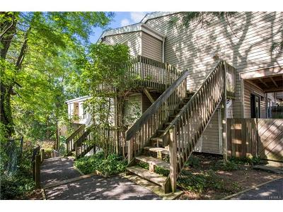 White Plains Condo/Townhouse For Sale: 26 Hillside Terrace #A