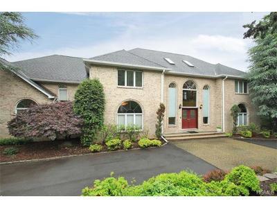 Blauvelt Single Family Home For Sale: 7 Pine Glen Drive