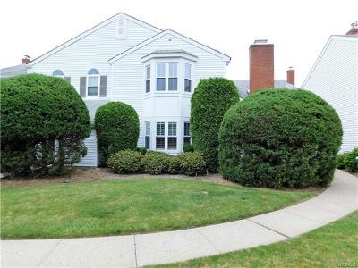 Warwick Condo/Townhouse For Sale: 257 Homestead Village Drive