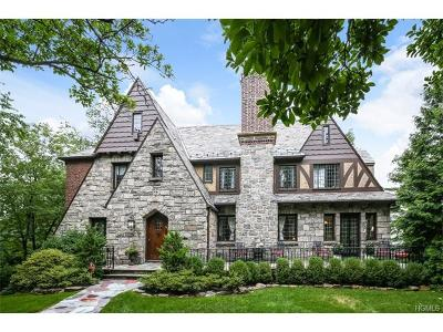 Eastchester Single Family Home For Sale: 17 Forbes Boulevard