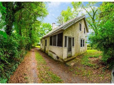 White Plains Single Family Home For Sale: 129 Rosedale Avenue