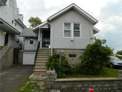 Bronx NY Single Family Home For Sale: $455,000