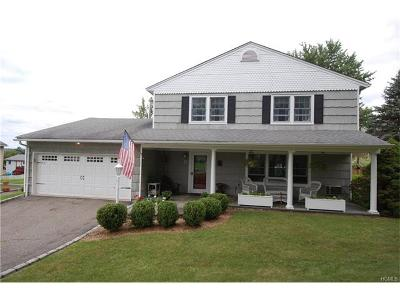 Warwick Single Family Home For Sale: 9 Ivy Place