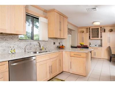 Somers Condo/Townhouse For Sale: 460b Heritage Hills