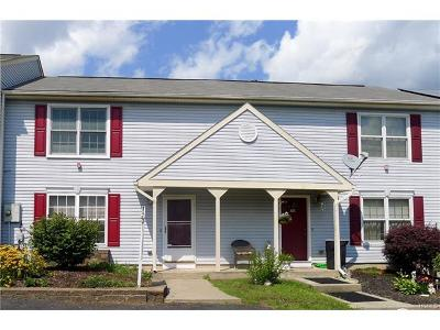 Warwick Single Family Home For Sale: 33 Marian Court