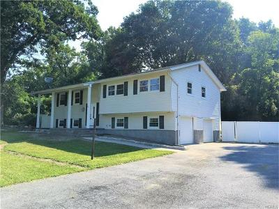 Newburgh Single Family Home For Sale: 26 Gail Place