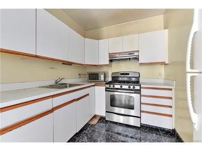 Bronx Condo/Townhouse For Sale: 776 Brook Avenue #33B