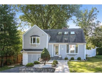 Westchester County Single Family Home For Sale: 28 Woods End Lane