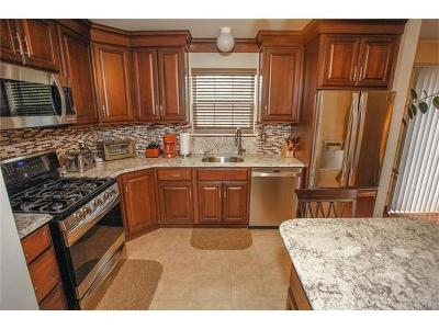Warwick Single Family Home For Sale: 18 Marian Court