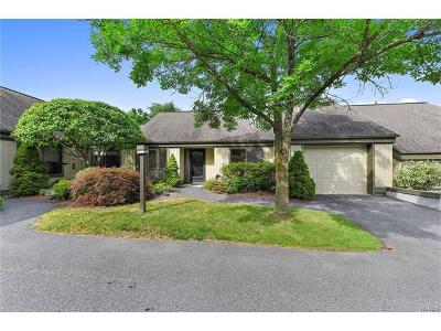 Westchester County Condo/Townhouse For Sale: 521 Heritage Hills #C