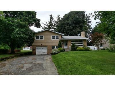 New Windsor Single Family Home For Sale: 226 Garden Street