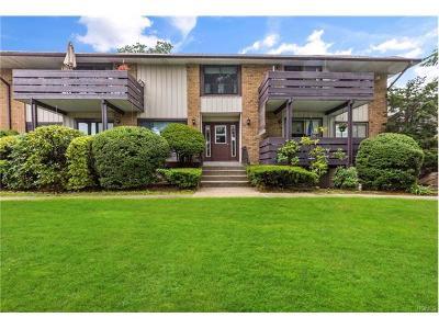 Valley Cottage Condo/Townhouse For Sale: 25 Sierra Vista Lane