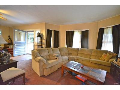 New Rochelle Single Family Home For Sale: 8 Orchard Place