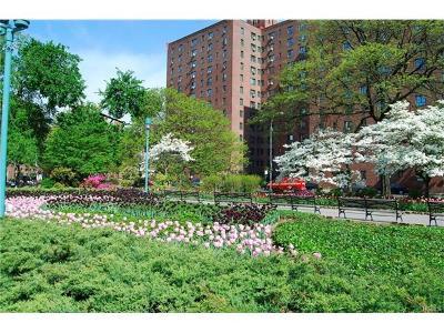 Bronx Condo/Townhouse For Sale: 1541 Metropolitan Avenue #7C
