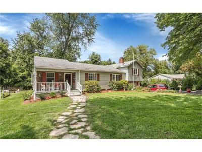 Monroe Single Family Home For Sale: 41 Overlook Road