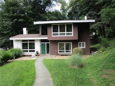 Irvington Single Family Home For Sale: 99 Brace Bridge Lane