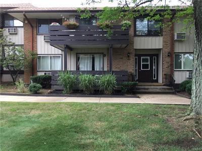 Valley Cottage Condo/Townhouse For Sale: 78 Sierra Vista
