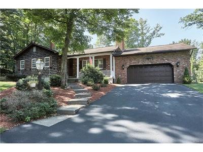 Goshen Single Family Home For Sale: 12 Autumn Trail