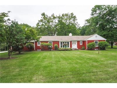 Single Family Home For Sale: 627 Haverstraw Road