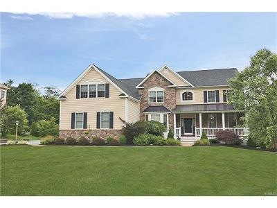 Hopewell Junction Single Family Home For Sale: 212 Country Club Road