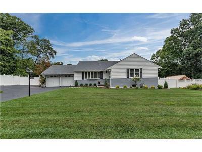 Rockland County Single Family Home For Sale: 44 Leona Avenue