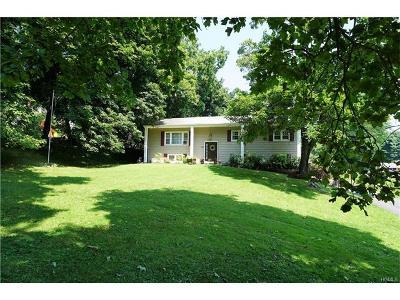 Newburgh Single Family Home For Sale: 121 Bennett Road