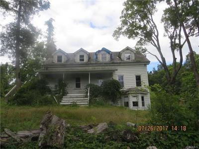 Newburgh Single Family Home For Sale: 34 Weaver Road