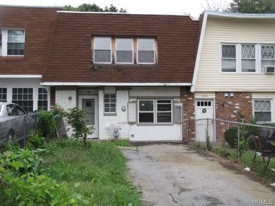 Middletown Single Family Home For Sale: 106 Patio Road