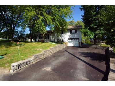 Newburgh Single Family Home For Sale: 18 Coach