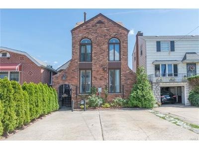 Bronx NY Single Family Home For Sale: $739,000