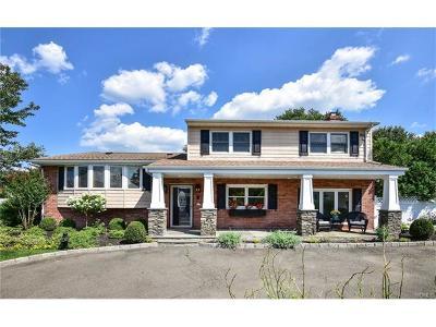 White Plains Single Family Home For Sale: 4 Lenroc Drive