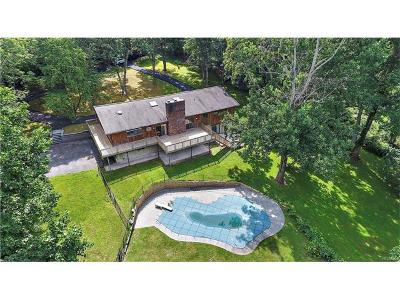 Westchester County Single Family Home For Sale: 8 Apple Bee Farm Lane