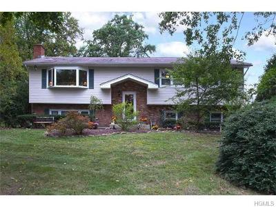 Rockland County Single Family Home For Sale: 12 Valley Court