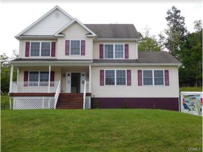 Middletown Single Family Home For Sale: 38 Highland View Place