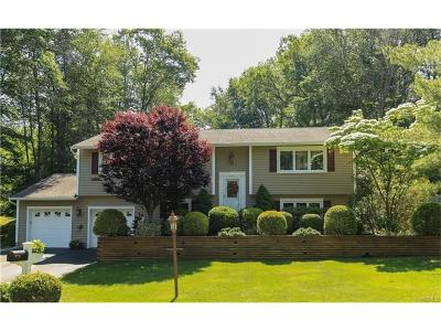 Westchester County Single Family Home For Sale: 1495 Pine Brook Court