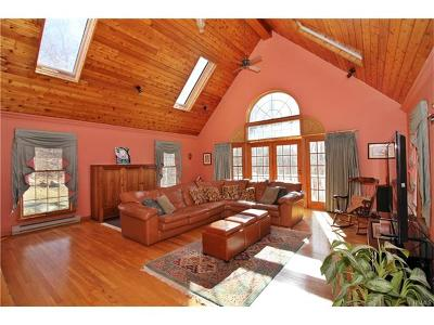 Single Family Home For Sale: 423 Farm To Market Road