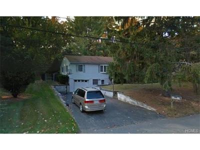 Rockland County Single Family Home For Sale: 4 Heights Road