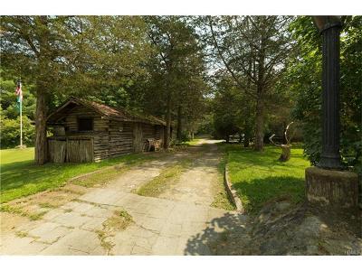 Multi Family 2-4 For Sale: 9 Cedar Dell Farm Road
