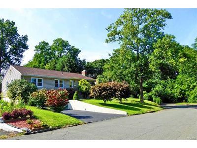 White Plains Single Family Home For Sale: 9 Albro Lane