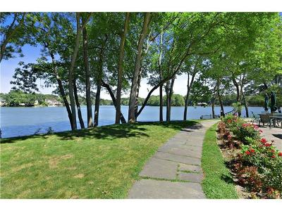 Eastchester Single Family Home For Sale: 64 Waterside Close