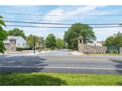 Warwick Condo/Townhouse For Sale: 133 Villagegreen Court