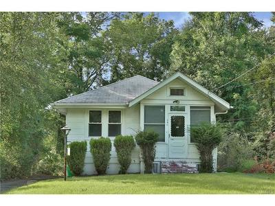 Single Family Home For Sale: 240 Saddle River Road