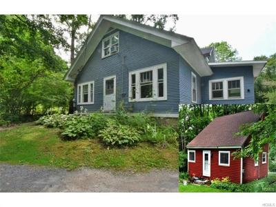 Warwick Single Family Home For Sale: 46 Cascade Road