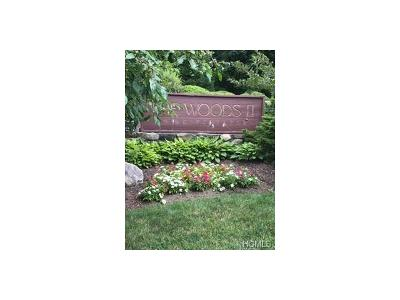 Yorktown Heights Condo/Townhouse For Sale: 6 Woods Brooke #2