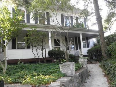 White Plains Single Family Home For Sale: 23 Ridgeview Avenue