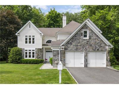 White Plains Single Family Home For Sale: 8 Easthaven Lane