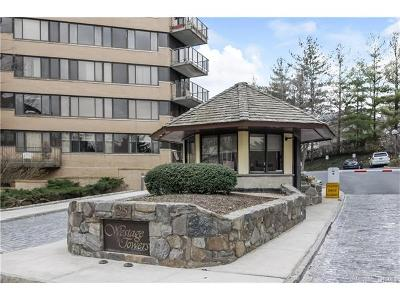 White Plains Condo/Townhouse For Sale: 25 Rockledge Avenue #212