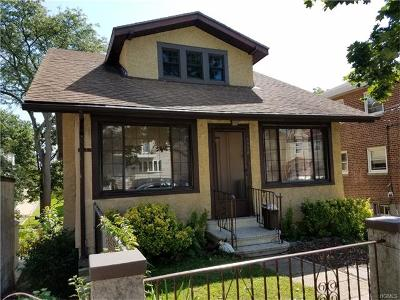 Single Family Home Sold: 1518 Dwight Place