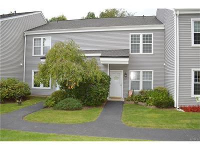 Carmel Condo/Townhouse For Sale: 305 Misty Hills #305